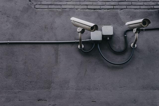 El despido del trabajador usando las cámaras de seguridad